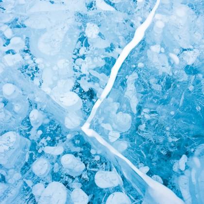 Abraham-Lake-Ice-Bubbles-1