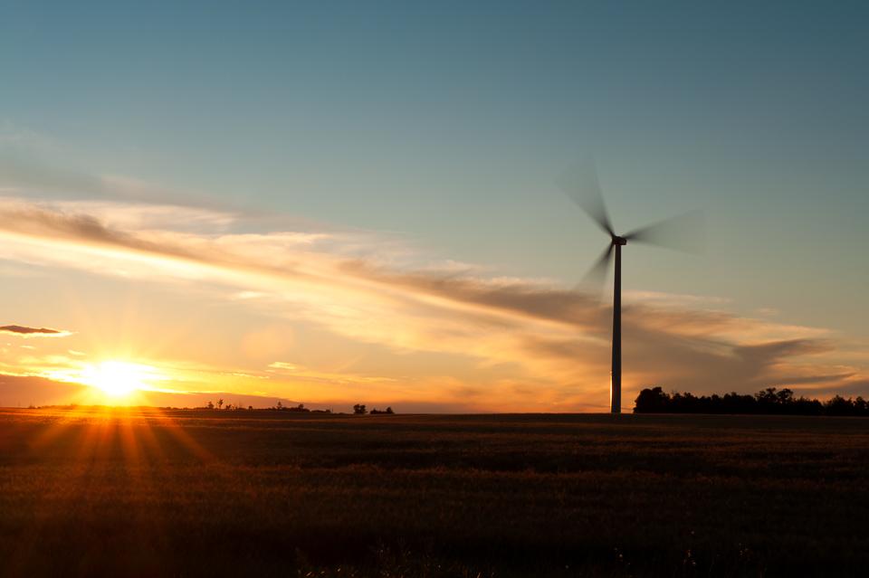 Trochu-Windmill-Sunrise-1