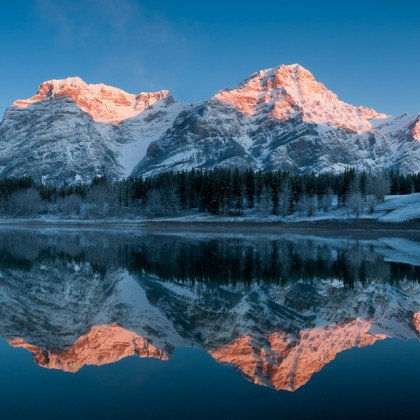 Wedge-Pond-Mt-Kidd-Sunrise